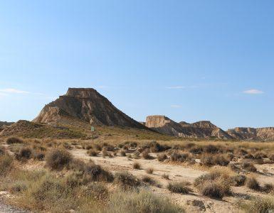 Los paisajes áridos del parque de las Bardenas Reales en Navarra.