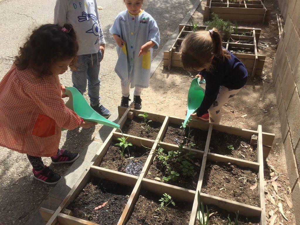 El huerto escolar es una iniciativa para seguir con la Vuelta al Cole en Verde.