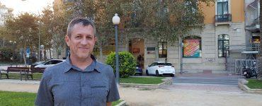 Jorge Mataix estudia el impacto de los incendios en los suelos.