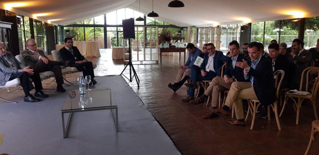 El alcalde de Ribarroja, Robert Raga, durante una de sus intervenciones en las Jornadas de Economia Circular.