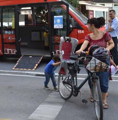 Granada ha ganado el oro en estos galardones de la movilidad. Su plan fiscal para promover los planes de Transporte en Trabajadores ha sido destacado.
