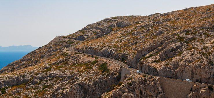 En las Islas Baleares el Gobierno quiere prohibir los vehículos diesel a partir de 2025 y los de gasolina en 2035.