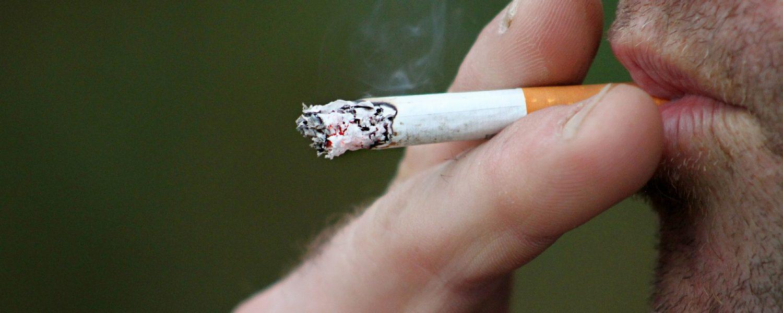 Concientizar o concienciar de los problemas, como la adicción al tabaco, es una de las bases para avanzar.