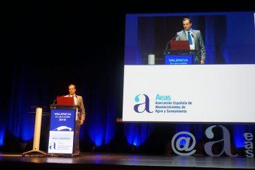Julio Llorca, en su conferencia sobre microplásticos del congreso de AEAS
