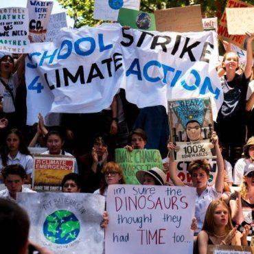 La Huelga Mundial por el futuro la han iniciado los jóvenes para reclamar medidas efectivas de forma urgente contra el cambio climático.
