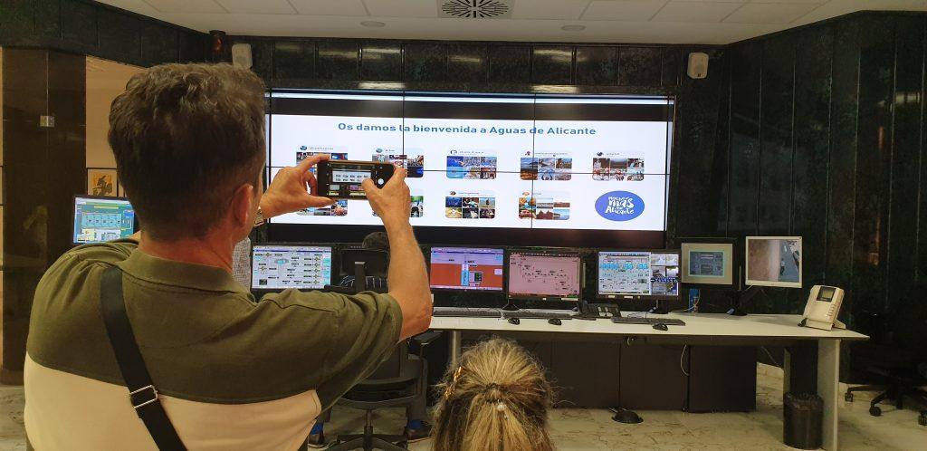 Los responsables de nueve cuentas influyentes en Instagram de Alicante visitan el telemando.