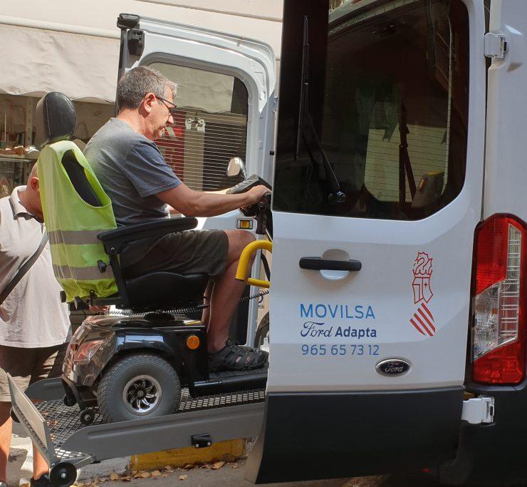 Adema se beneficiará del nuevo vehículo proporcionado por Vectalia con el apoyo de la Generalitat Valenciana
