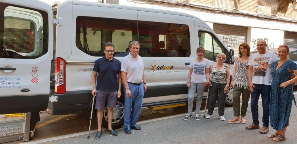 Adema ha recibido el nuevo vehículo de manos de Vectalia.