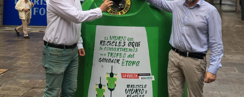 Trofeo de vidrio reciclado