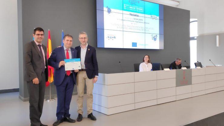 La Generalitat premia el sistema Navilens que ha implantado Vectalia en Alicante