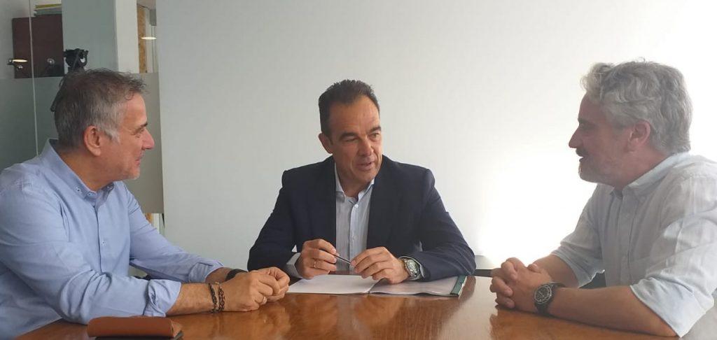 Ángel Lloret, Antonio Peral y Javier Morales, durante la reunión de presentación de Alicante Smart City.