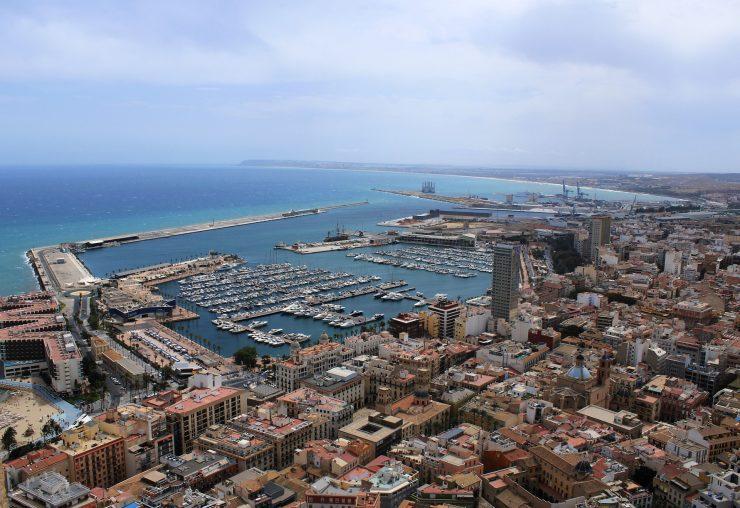 Alicante Smart City es el proyecto que impulsa el Ayuntamiento para animar en la digitalización de servicios al ciudadano e impulsar nuevas herramientas tecnológicas.