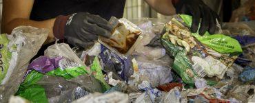 La AVI financia el proyecto Recipam para encontrar nuevas técnicas de reciclado en plásticos multicapa para envases alimentarios.