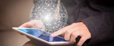 Las tecnologías de la información tienen que usarse con pensamiento crítico para contribuir a una mejora social.