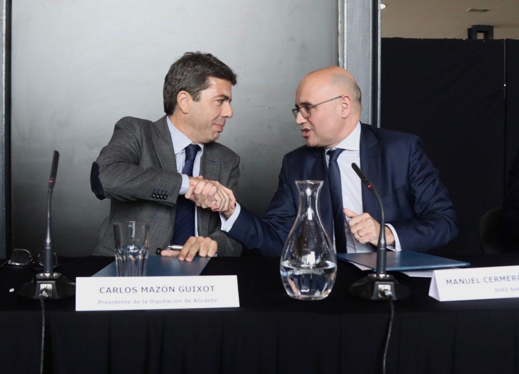 Carlos Mazón y Manuel Cermerón tras la firma del convenio.