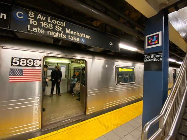 Navilens y la UA en el metro de Nueva York