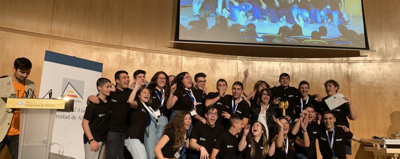 El equipo Roboluti_On, del IES Hermanos Amorós de Villena, ha ganado la fase provincial de Alicante de La First Lego League.