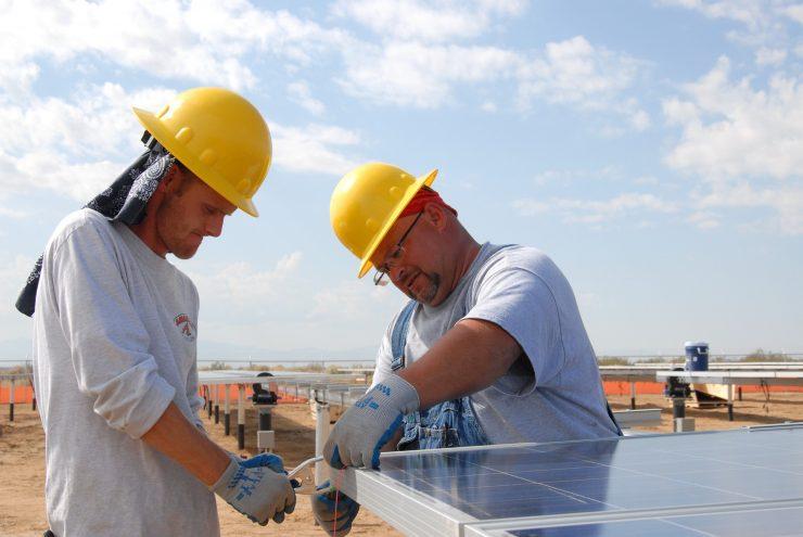 Este sistema de placas reduciría la necesidad de baterías para almacenar energía y aumentaría la disponibilidad de fuentes renovables tras la puesta de sol