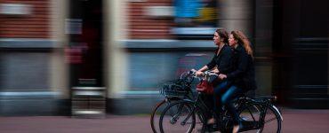 Pensar el crono-urbanismo significa preguntarse profundamente sobre lo que la ciudad propone a los habitantes para el uso de su tiempo de vida.