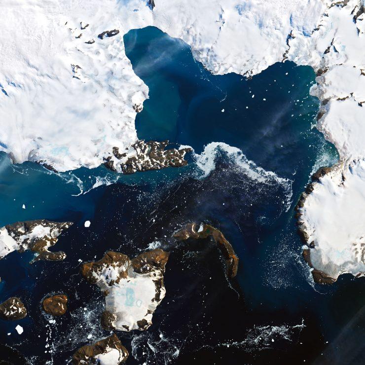 Las imágenes de la NASA muestran una gran disminución del la cubierta de nieve en un periodo de tiempo muy corto en una zona del noreste de la Antártida.
