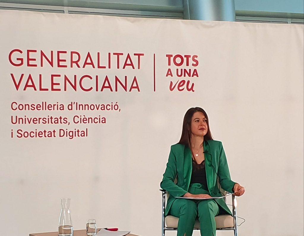La consellera Carolina Pascual, durante su presentación en Distrito Digital sobre los innovadores proyectos seleccionados.