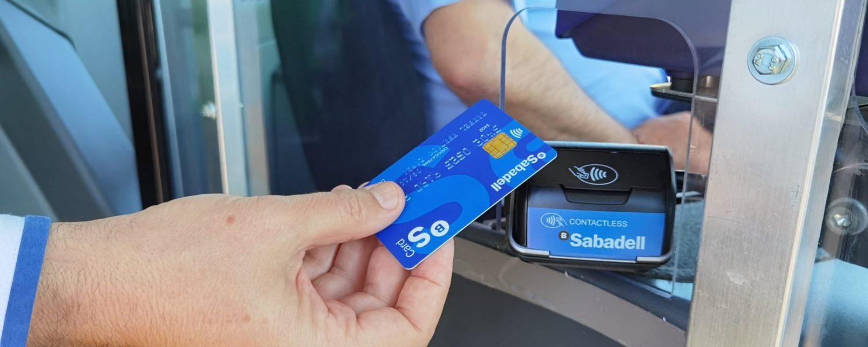 Vectalia suprime el pago en efectivo en algunas líneas gracias a su acuerdo con el Banco Sabadell y el impulso de su aplicación Vecticket.