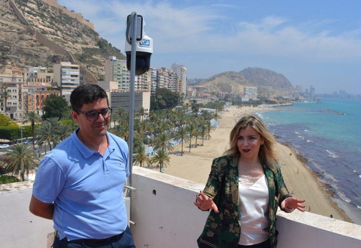 La visión artificial cuenta en tiempo real las personas que ocupan las playas y si se exceden límites generará una alerta a la policía.
