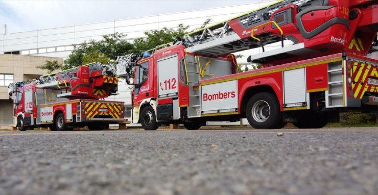 El Consorcio de Bomberos de la provincia de Alicante cuenta con dos nuevos vehículos para rescates de gran altura en edificios.