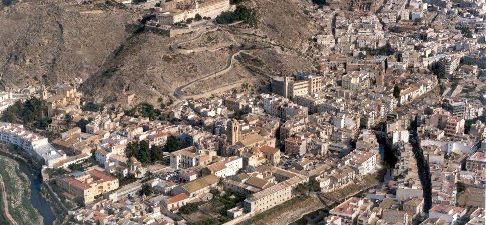 Panorámica aérea del Monte San Miguel y el río Segura. Foto Ayuntamiento de Orihuela