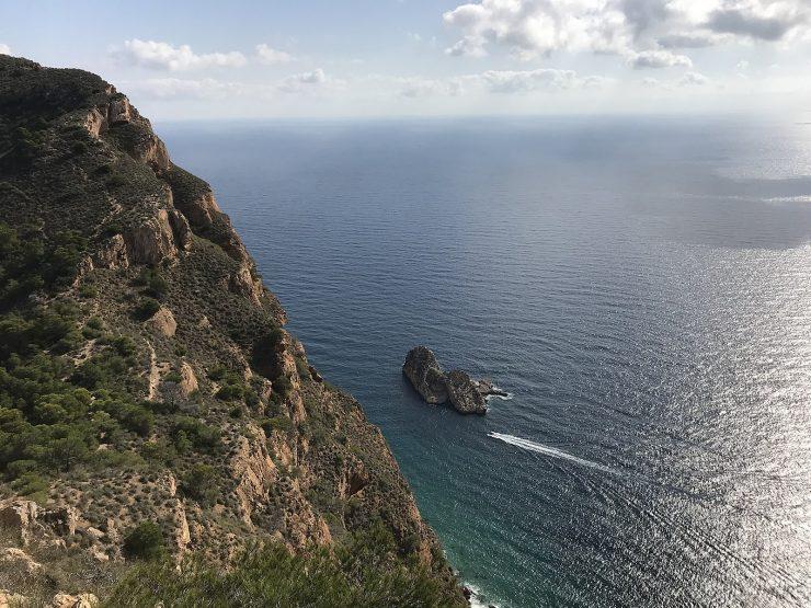 La capital turística ha aliado la Edusi con el plan municipal Benidorm DTI+Seguro para extender nuevos senderos en la Serra Gelada.