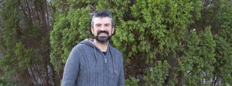 Iván Mora lidera una investigación de la UJI que avanza la sustitución del silicio en la energía fotovoltaica con las primeras pruebas de células de perovskita.