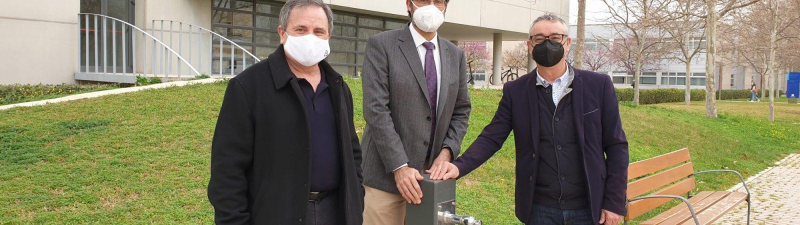 José Ramón Martínez, Salvador Ivorra y David Ribes, tras la presentación del plan sanitario del agua en la Universidad de Alicante.