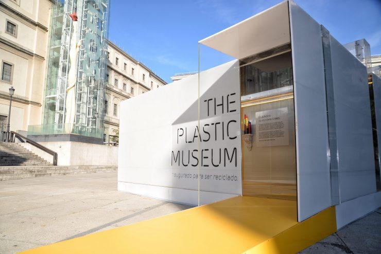 The Plastic Museum ha estado durante diez días en Madrid para concienciar sobre su correcto uso.