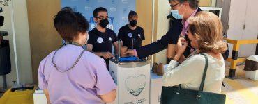 Los quioscos de agua del grifo están ya disponibles en el centro de vacunas alicantino.