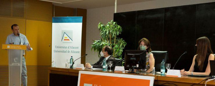 Juan Carlos Trujillo presenta a Generalitat y Universidad de Alicante impulsan los macrodatos y la IA en salud
