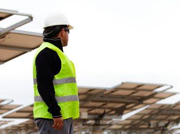 El huerto solar de Santa Pola es una de las instalaciones que ayuda a reducir el incremento del coste de energía eléctrica.