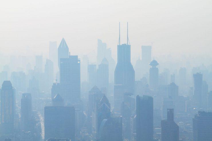La OMS estima que con estas nuevas reglas morirían un 80 % menos de personas por los problemas en la calidad del aire. Foto: Photoholgic.