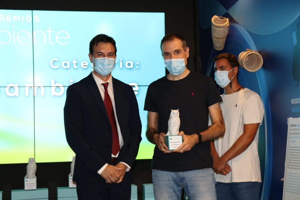 El diputado provincial Miguel Ángel Sánchez y el ganador Fernando Maestre.
